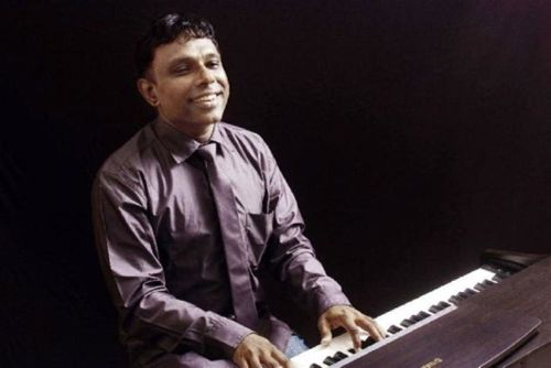 Ramesh Vinayagam: Film composer set to make a mark as Carnatic vaggeyakara through concert