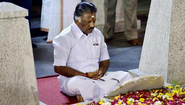 OPS looking for 'patch up' with Dhinakaran as lobbying increases for CM post